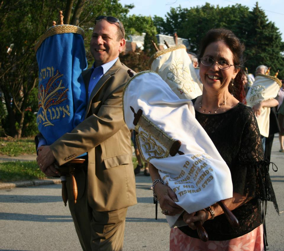 David-and-Arianna-with-Torahs