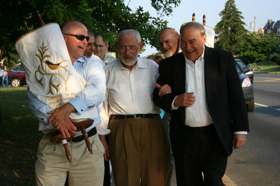 Members-with-Torahs4